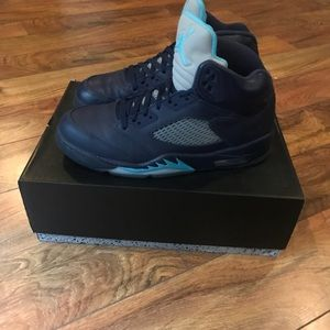 578e38f0e8f682 Jordan Shoes - Air Jordan 5 s Retro • Midnight Color Way • US 11